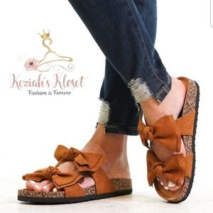 Shoes - NEW Bow Accent Summer Sandals